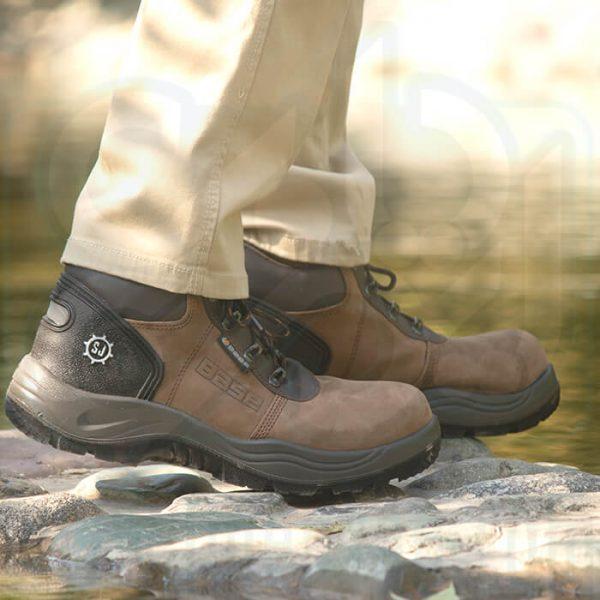 کفش مهندسی ایمنی نبوک Base